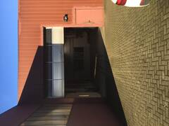 A0239_Eingangstür _Rolltor.JPG