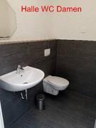 Halle WC Damen.JPG