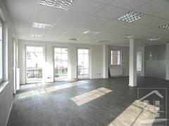 großes Büro 4.JPG