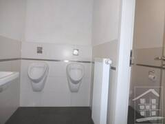 WC Herren 2.JPG